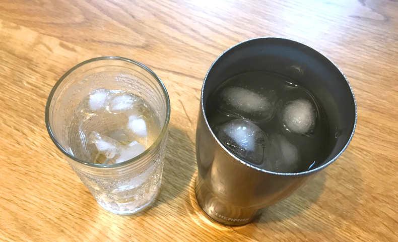水と氷を入れて1時間後。
