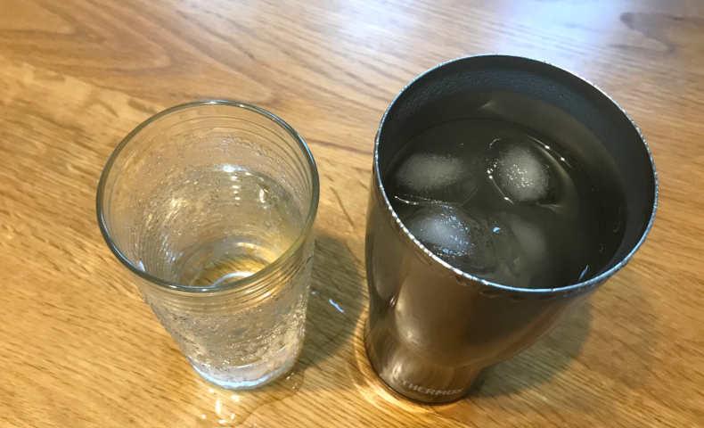 氷と水を入れて2時間後