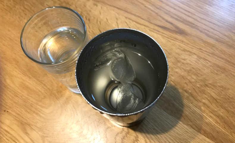 氷と水を入れて300分後。